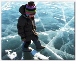 ребёнок на льду
